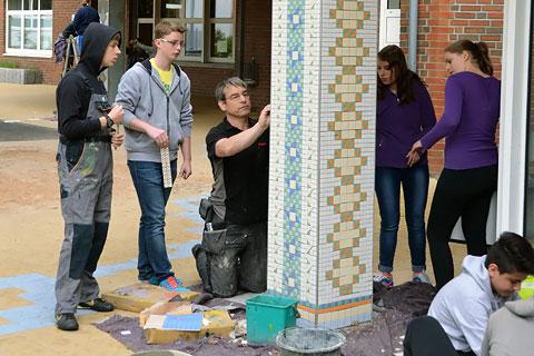 Kunstprojekt Hundertwasser-Säule